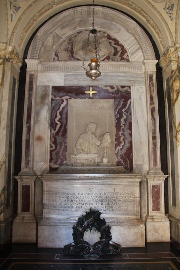 Dantes-mausoleum-Interior.jpg
